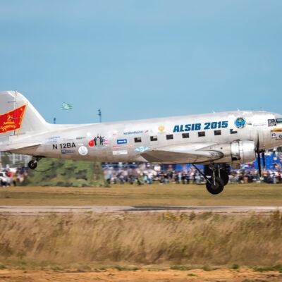 наклейки на самолет, изготовление логотипов на воздушные суда, эмблемы на борту самолёта, эмблемы на бортах самолётов